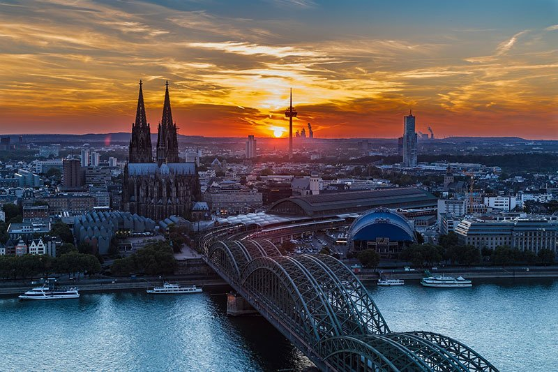 "Cologne ""width ="" 800 ""height ="" 533 ""srcset ="" https://www.travelanddestinations.com/wp-content/uploads/2019/05/Cologne-Germany.jpg 800w, https: //www.travelanddestinations. com / wp-content / uploads / 2019/05 / Cologne-Germany-300x200.jpg 300w, https://www.travelanddestinations.com/wp-content/uploads/2019/05/Cologne-Germany-768x512.jpg 768w, https://www.travelanddestinations.com/wp-content/uploads/2019/05/Cologne-Germany-270x180.jpg 270w ""tailles ="" (largeur maximale: 800px) 100vw, 800px ""/>   <figcaption id="