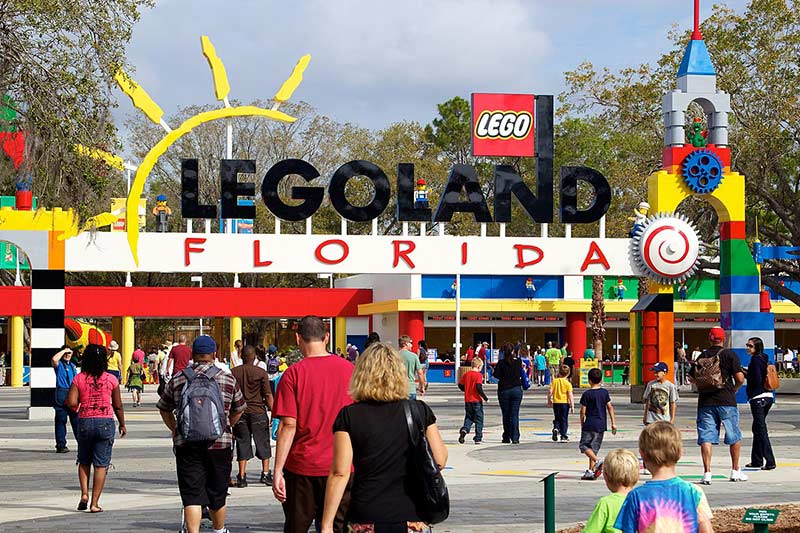 Леголенд Флорида 10 лучших вещей, которые стоит увидеть и сделать в Орландо (США) 10 лучших вещей, которые стоит увидеть и сделать в Орландо (США) Legoland Florida
