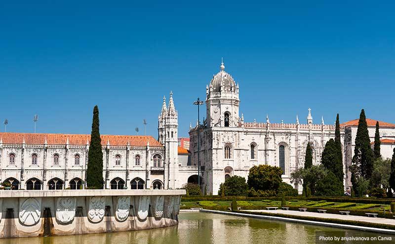 Mosteiro Dos Jeronimos Лиссабоне (Португалия) 10 лучших вещей, которые стоит увидеть и сделать в Лиссабоне (Португалия) Mosteiro Dos Jeronimos