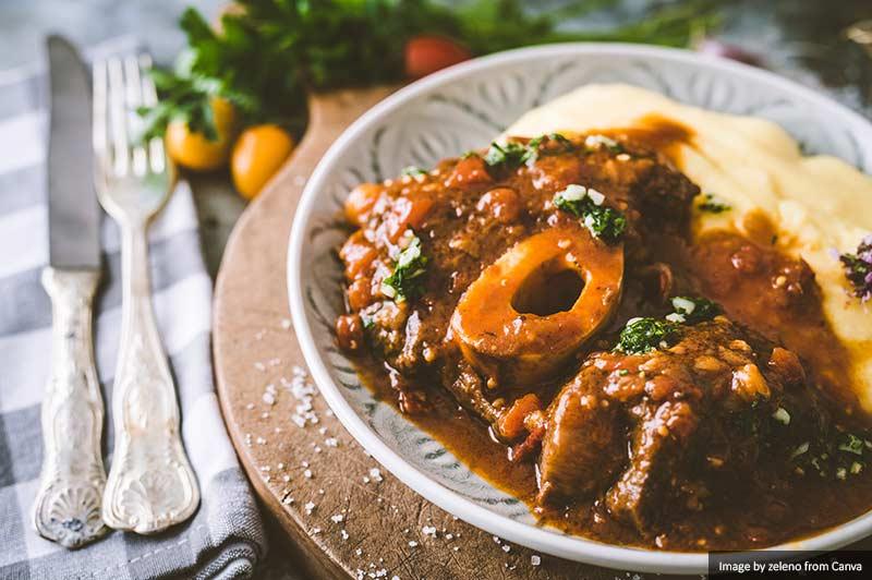 Оссо букко Тушеная говядина с полентой Лучшая и самая вкусная еда и напитки в Италии Лучшая и самая вкусная еда и напитки в Италии Osso bucco Beef Stew with Polenta