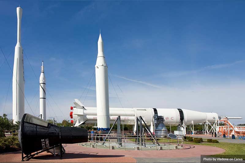 Rocket Garden, Космический центр им. Кеннеди 10 лучших вещей, которые стоит увидеть и сделать в Орландо (США) 10 лучших вещей, которые стоит увидеть и сделать в Орландо (США) Rocket Garden Kennedy Space Center