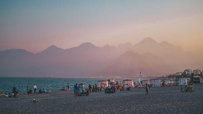 Анталия пляж и горы 10 лучших мест для посещения в Турции 10 лучших мест для посещения в Турции Antalya
