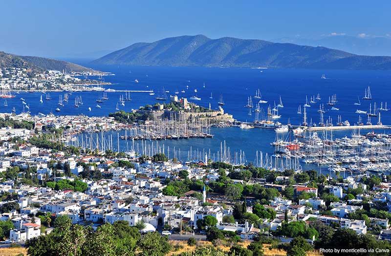 Бодрум гавань 10 лучших мест для посещения в Турции 10 лучших мест для посещения в Турции Bodrum harbor