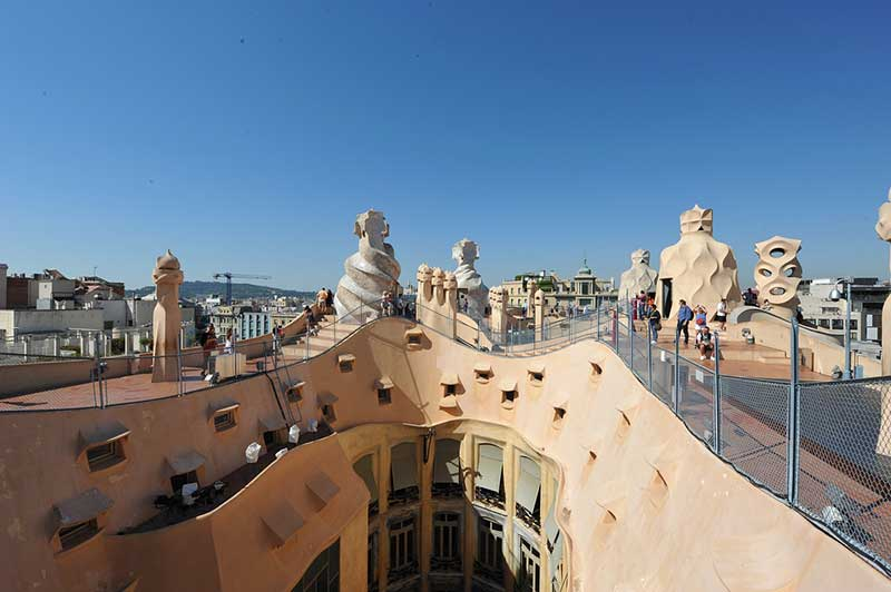 Крыша Каса Мила лучшие места в барселоне 15 лучших мест для Instagram и фотографии в Барселоне Casa Mila roof