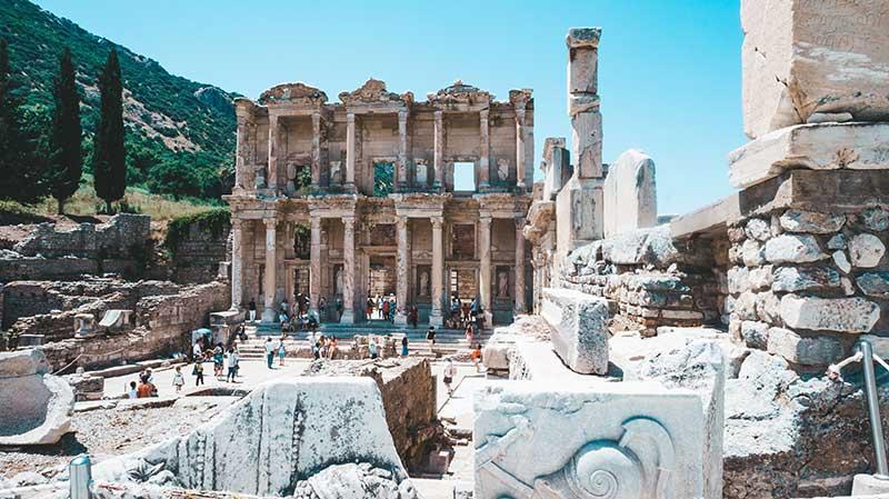 Эфес 10 лучших мест для посещения в Турции 10 лучших мест для посещения в Турции Ephesus
