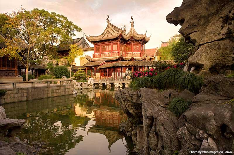 Ю. Сад шанхай китай 10 лучших вещей, которые стоит увидеть и сделать в Шанхае (Китай) Yuyuan Garden