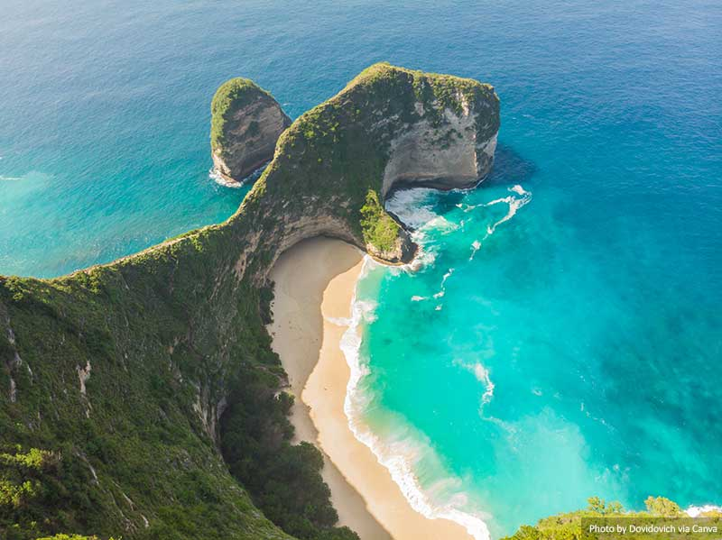 Kelingking Beach on Nusa Penida Island, Indonesia
