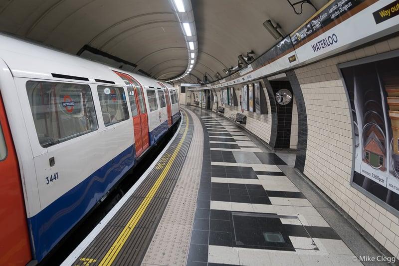 Лондон-Tube 10 хитрых советов по экономии денег при посещении Лондона 10 хитрых советов по экономии денег при посещении Лондона London Tube