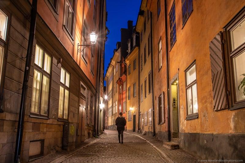 Prastgatan, Gamla Stan at night