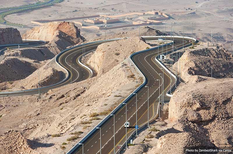 Route à Al Ain, EAU  10 choses à savoir pour visiter les Emirats Arabes Unis Road in Al Ain UAE