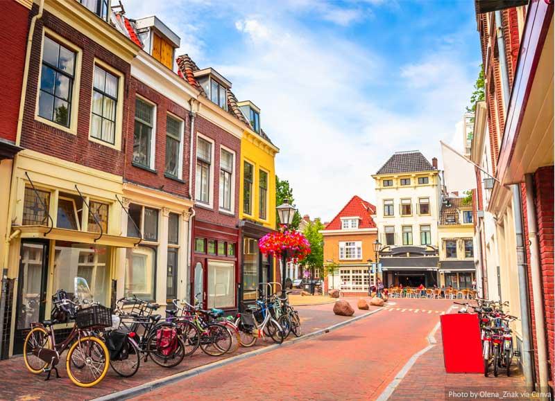 Street and buildings in Utrecht