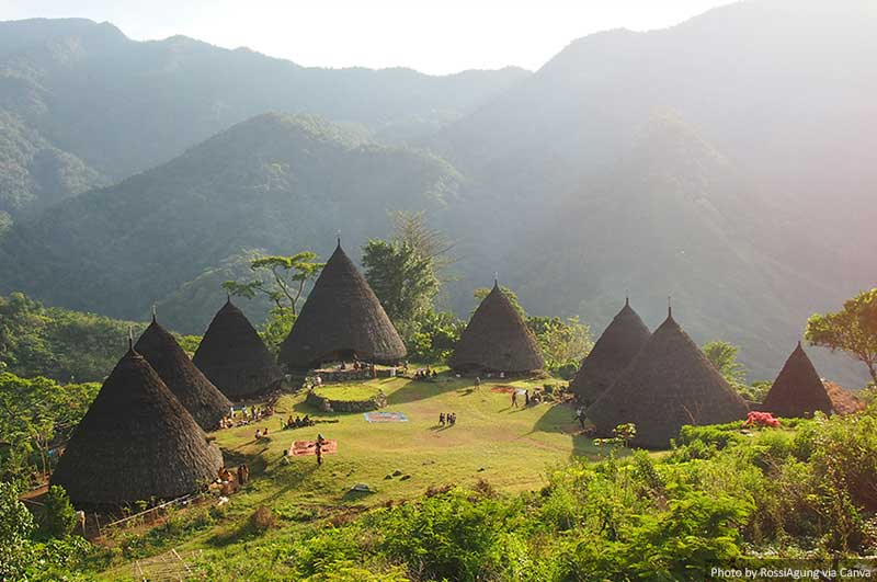 Beautiful places in Flores - Wae Rebo Village