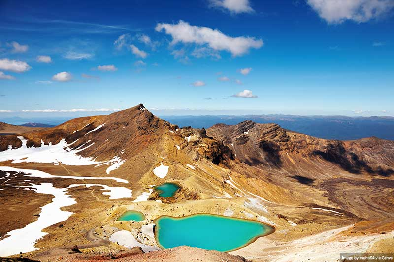 "Emerald Lakes and Mountain Views - Tongariro in New Zealand ""width ="" 800 ""height ="" 532 ""load ="" lazy ""src ="" https://www.travelanddestinations.com/wp-content/uploads / 2020/03 / Emerald-Lakes-and-Mountain-Views-Tongariro-in-New-Zealand.jpg ""Dates - /> </p> <p> <img loading="