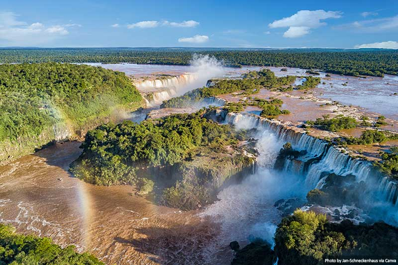 "Iguassu Falls ""width ="" 800 ""height ="" 532 ""srcset ="" https://www.travelanddestinations.com/wp-content/uploads/2020/03/Iguazu-Falls.jpg 800w, https: // www. travelanddestinations .com / wp-content / uploads / 2020/03 / Iguaçu Falls-300x200.jpg 300w, https://www.travelanddestinations.com/wp-content/uploads/2020/03/Iguazu-Falls-768x511.jpg 768w, https://www.travelanddestinations.com/wp-content/uploads/2020/03/Iguazu-Falls-270x180.jpg 270w ""sizes ="" (maximum width: 800px) 100vw, 800px"