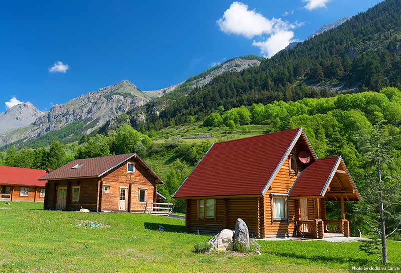Wooden cottages in the Alps