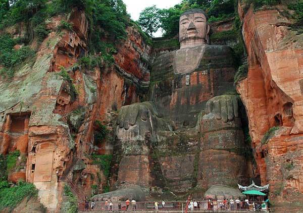 "Quiz-Giant-Buddha ""width ="" 600 ""height ="" 422 ""srcset ="" https://www.travelanddestinations.com/wp-content/uploads/2020/05/Quiz-Giant-Buddha.jpg 600w, https: //www.travelanddestinations.com/wp-content/uploads/2020/05/Quiz-Giant-Buddha-300x211.jpg 300w ""sizes ="" (maximum width: 600px) 100vw, 600px"