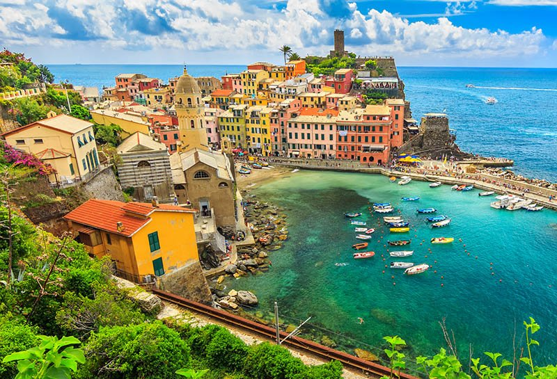 Colourful buildings in Vernazza