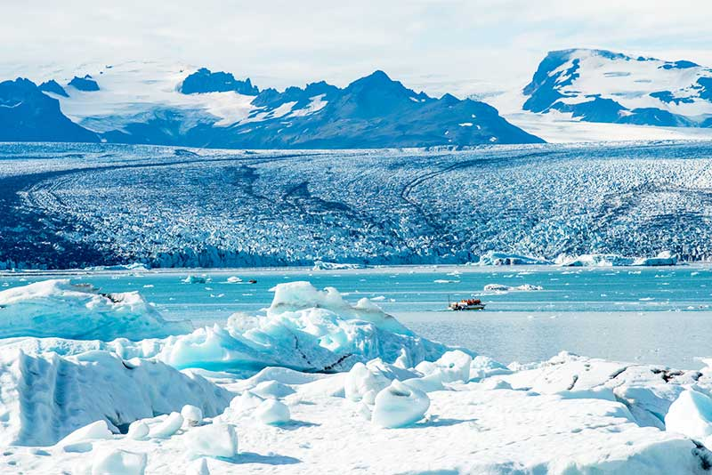 Vatnajokull glacier at Jokulsarlon