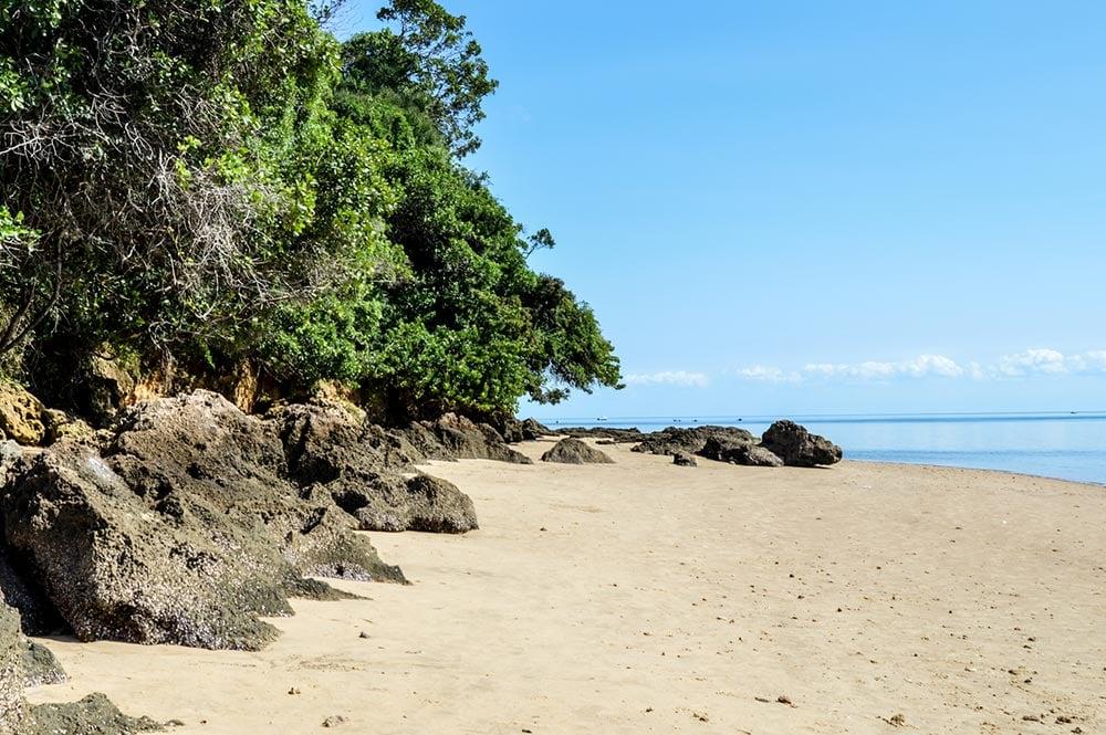 インハカ島のビーチ