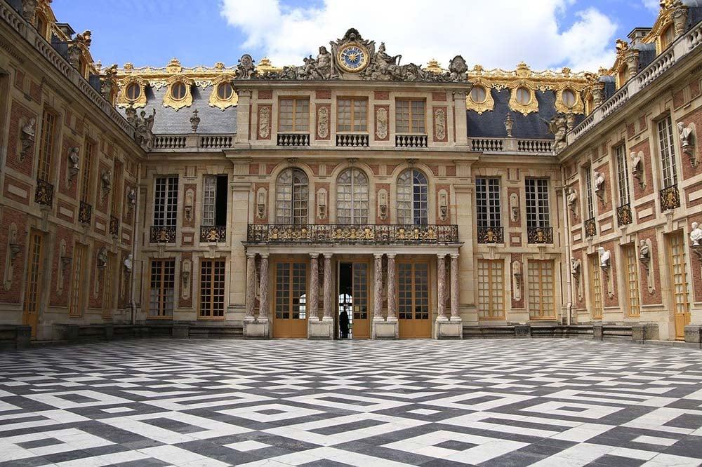 Versailles Exterior